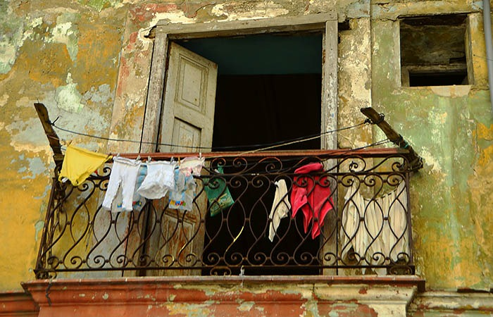 Hanging Out To Dry  II - Havana